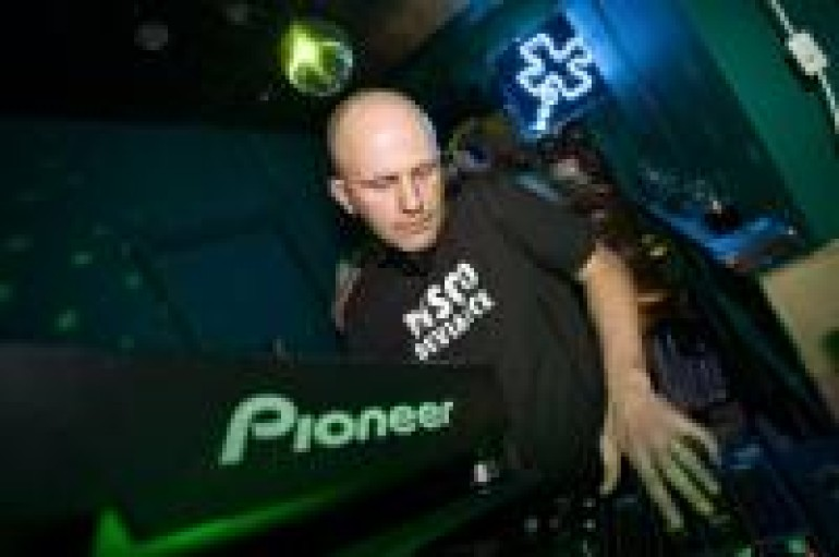 WEEKEND MIX 10.14.11: DICKY TRISCO