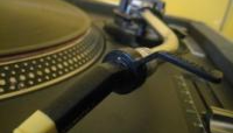 DIGITAL MUSIC SALES SOAR IN 09 AND SO DOES WAX