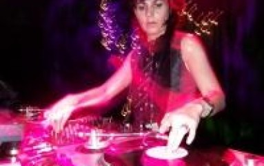 DJ OF THE WEEK 1.4.10: ANJA SCHNEIDER
