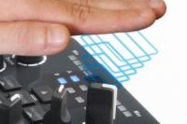 Hercules DJ Control AIR – Gimmick Or Sign of The Future? [VIDEO]
