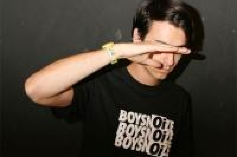 WEEKEND MIX 7.30.10: BOYS NOIZE