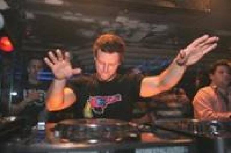 DJ OF THE WEEK 12.20.11: FEDDE LE GRAND