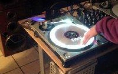 WTF: Projector Mapped Turntables