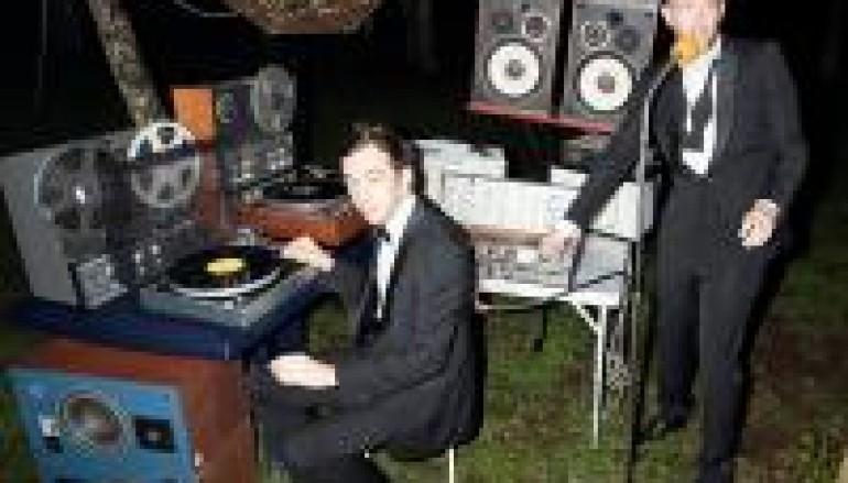 DJ OF THE WEEK 10.3.11: 2 MANY DJS