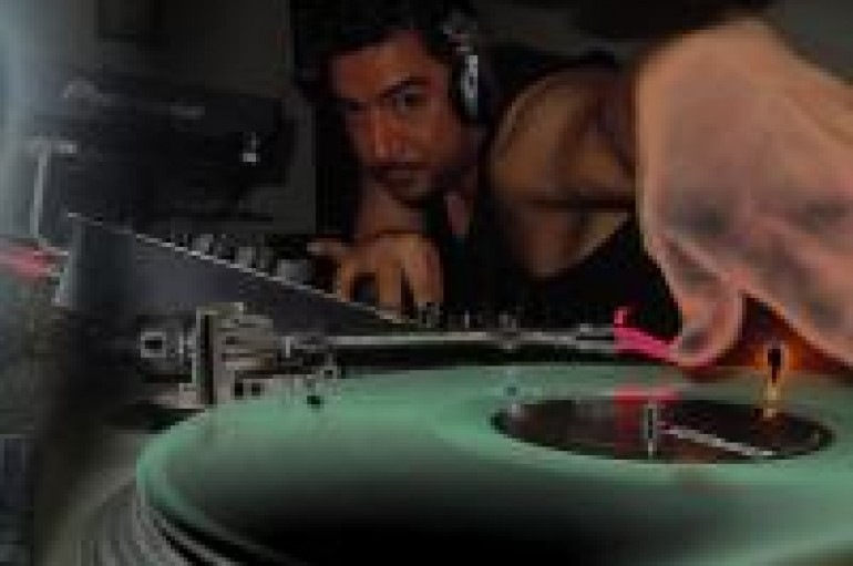 SOUND-OFF: DJ Smoke Sounds Off On The Analog DJ versus Digital DJ Debate