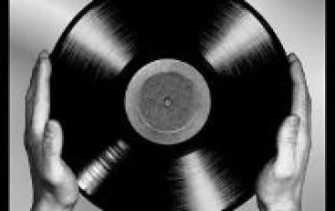 Vinyl Love: Large Vinyl Collections [Videos]